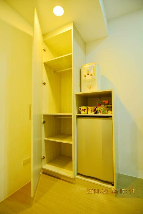 新竹竹科套房出租-收納櫃及冰箱