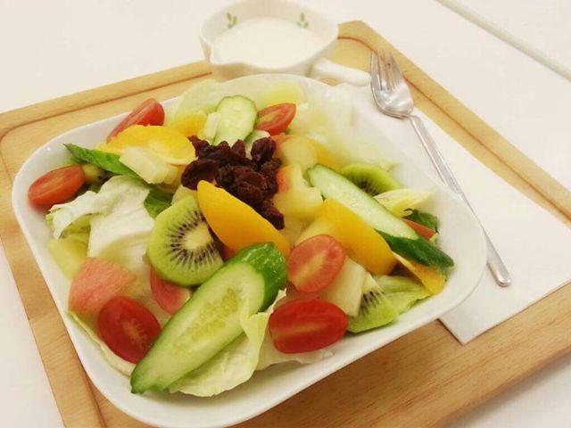 檸檬優格蔬果沙拉