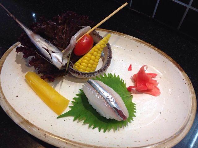 水針魚握壽司