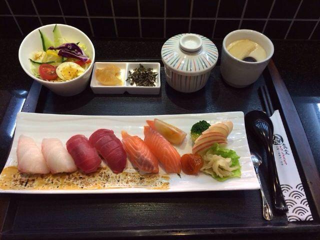 綜合握壽司定食