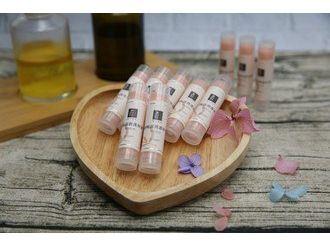 身體護理小物-粉紅護唇膏
