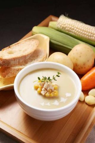 香草雞蓉玉米巧達濃湯