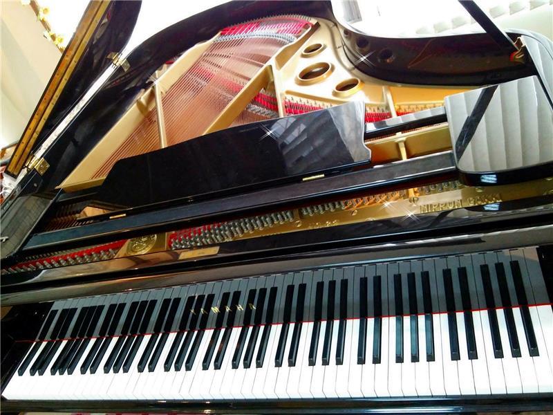 鋼琴專賣-高雄樂器批發