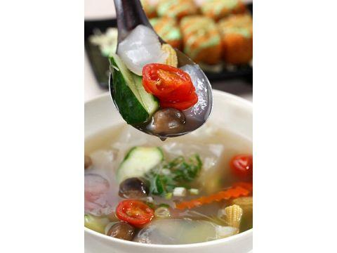 清燉曼波魚皮湯